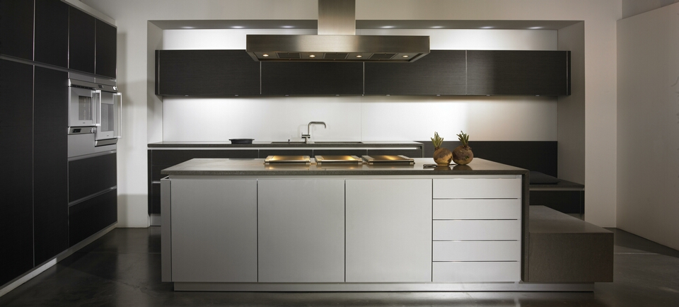 Luxury kitchens birmingham bespoke kitchens handmade for German kitchen cabinets
